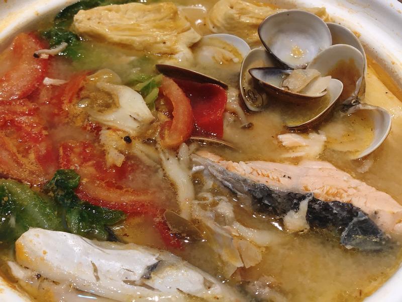 鮭魚蛤蠣蔬菜味噌湯