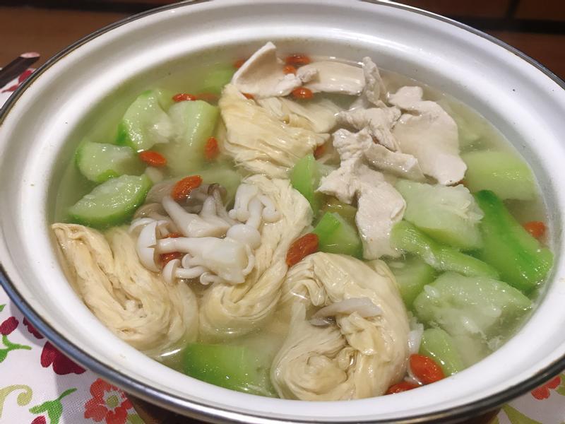 絲瓜雞肉湯