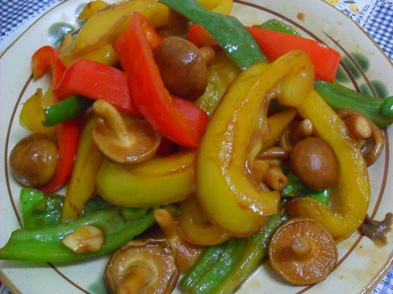 Y芬的小廚房--「梅膏料理」之菇找梅拌鮮蔬