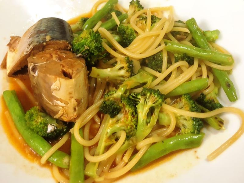 秒上桌的茄汁鯖魚義大利麵