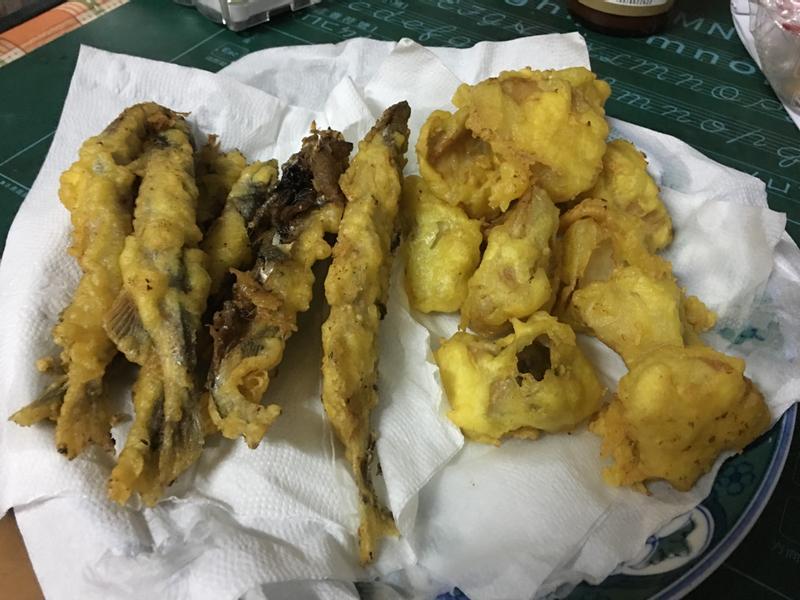 炸杏鮑菇跟柳葉魚