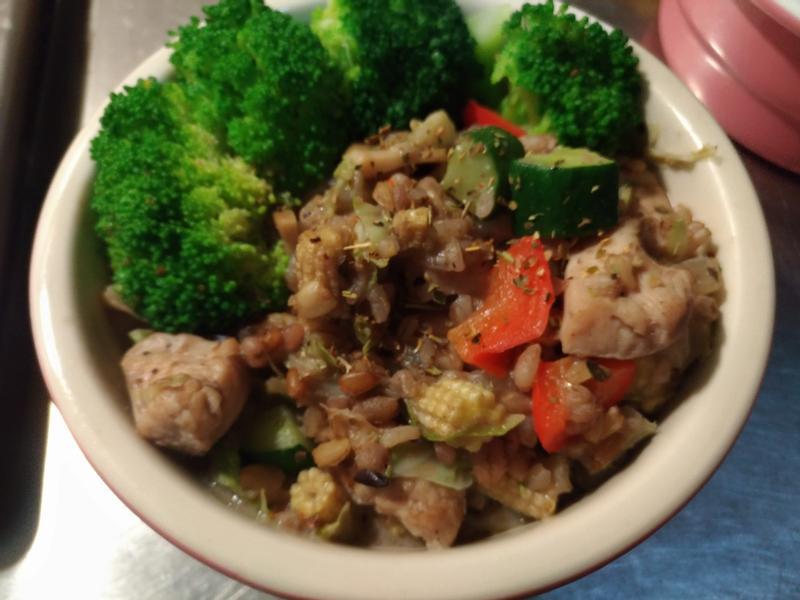 黑豆漿五穀蔬菜雞肉燉飯