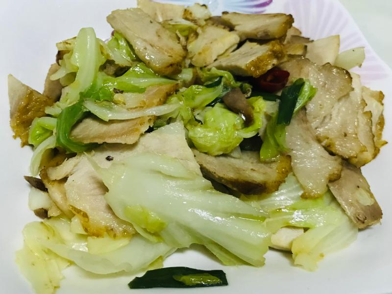 煙燻肉炒高麗菜