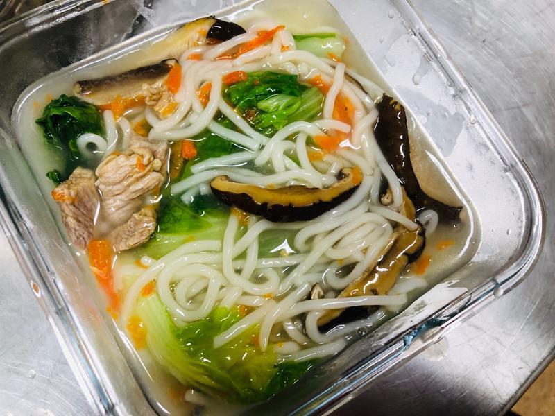 🍜香菇豬肉蔬菜湯麵