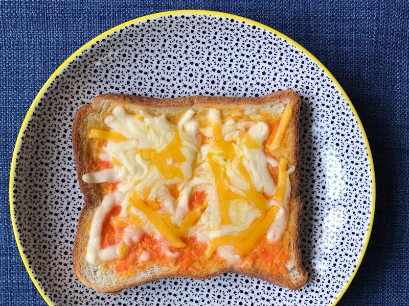 挑食救星!紅蘿蔔 偽明太子焗烤吐司