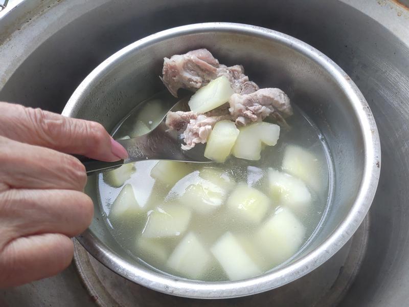 正子大黃瓜排骨湯