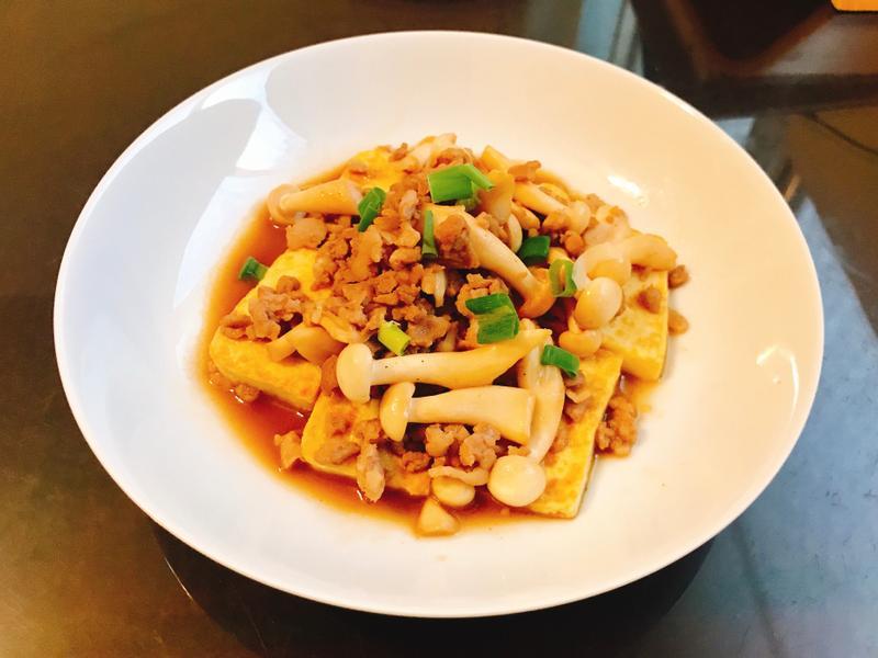 菇菇肉末燴蛋豆腐