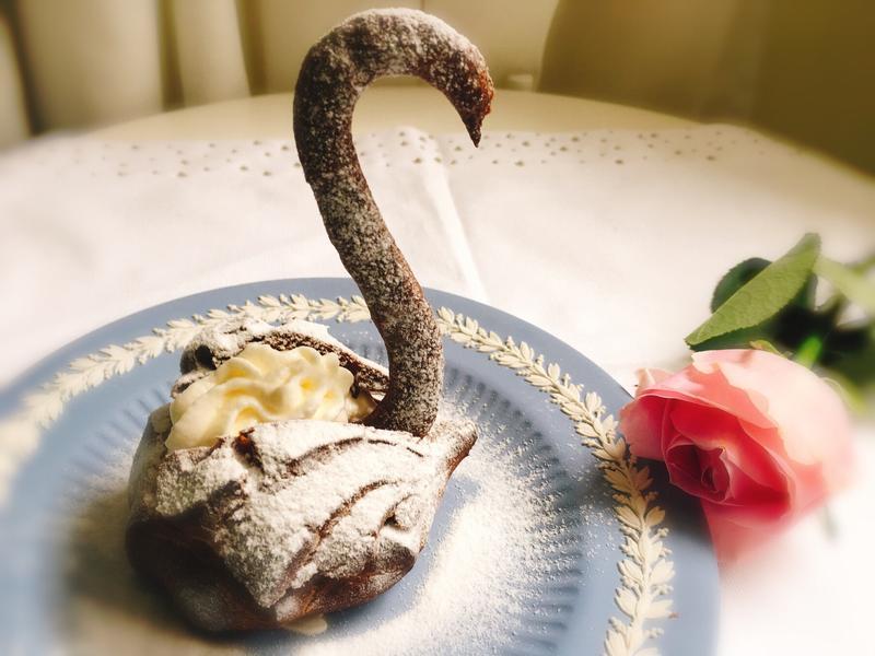 Swan Choux 黑天鵝泡芙