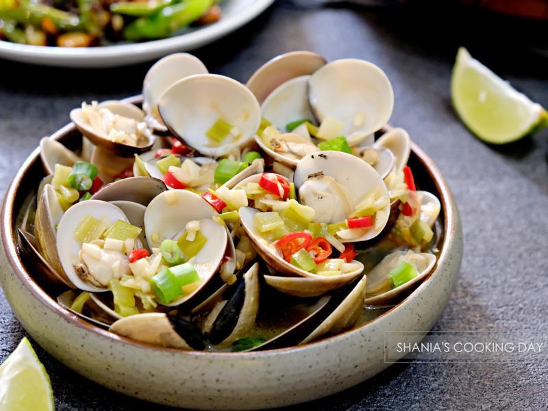 酒蒸蛤蠣 - 湯汁清甜好鮮味