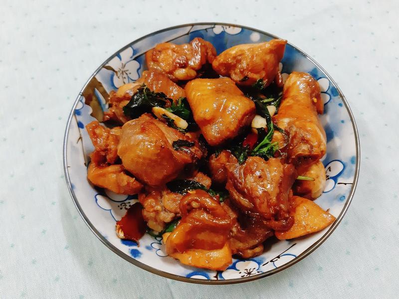 簡單食譜:輕鬆料理三杯雞!
