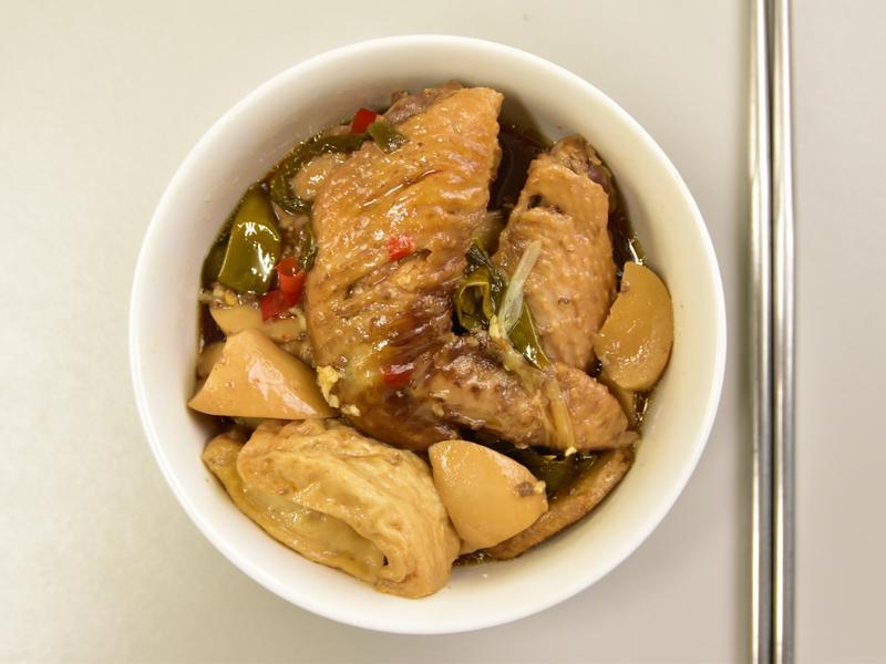 簡易製作:藥膳包滷雞翅,養生又入味!