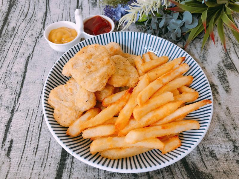氣炸鍋料理-氣炸雞塊薯條