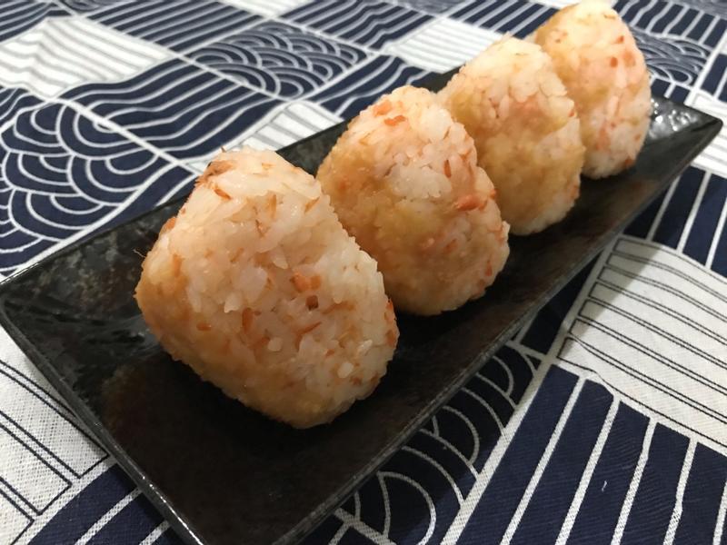 味噌烤鮭魚飯糰
