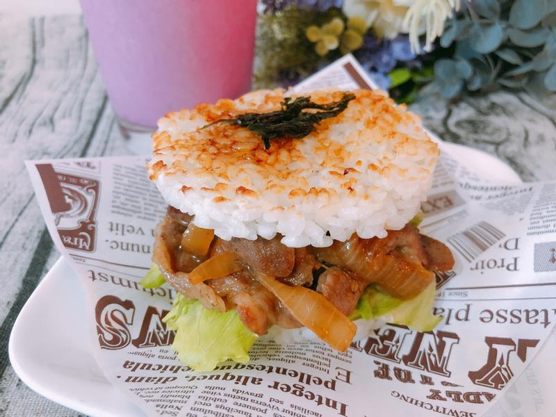 早餐系列-醬燒豬肉米漢堡