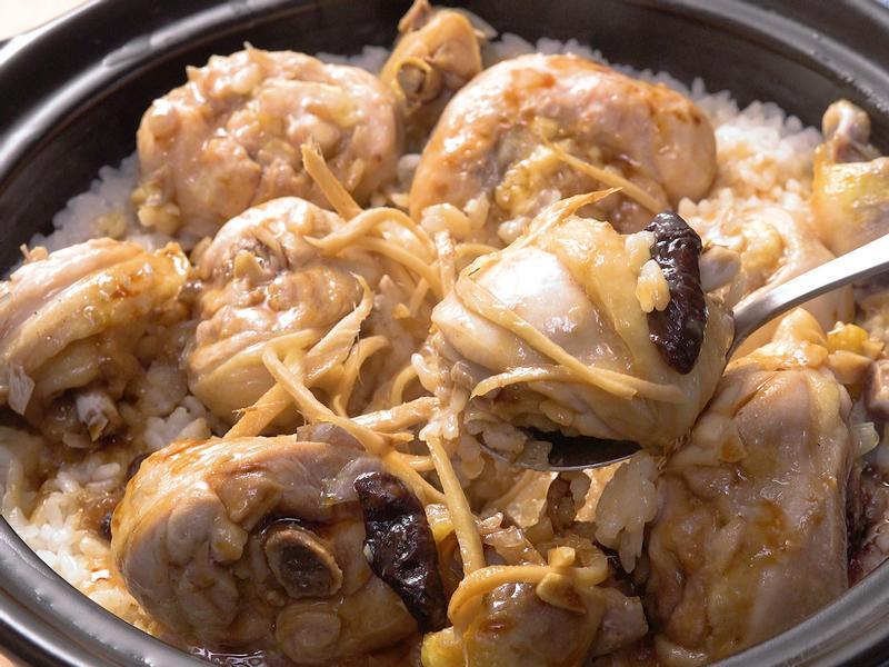 香菇滑雞煲仔飯