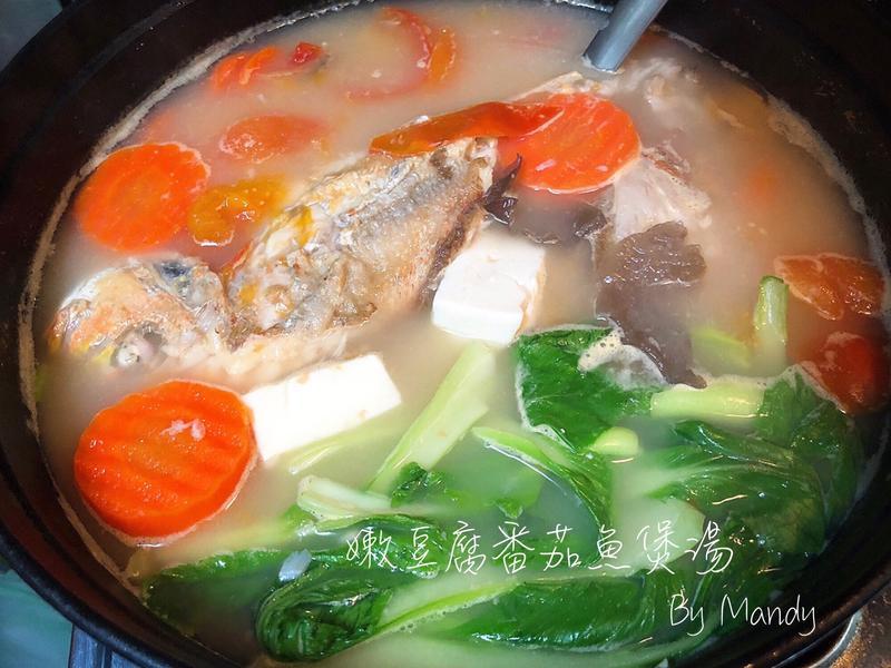 嫩豆腐番茄魚煲湯