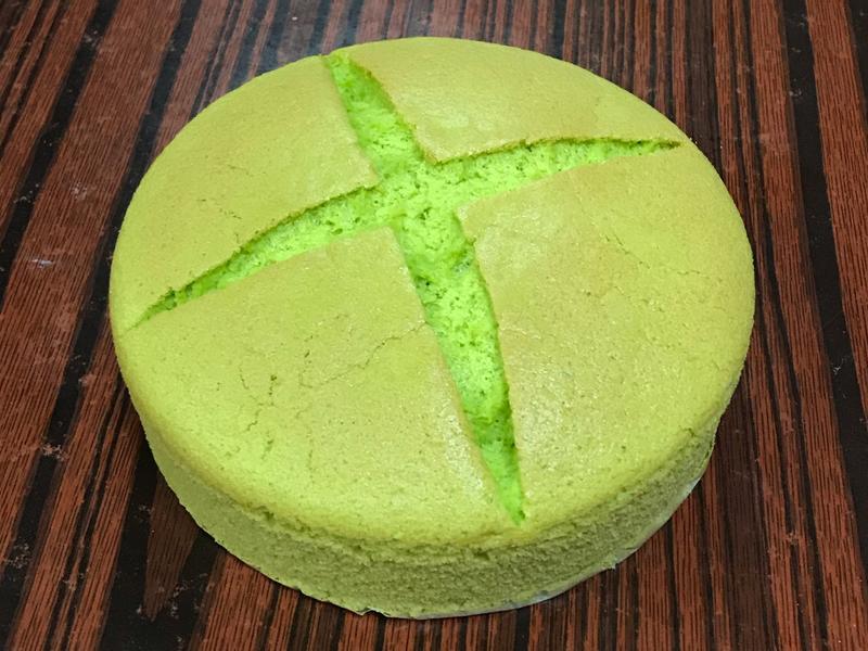 斑蘭戚風蛋糕 (自製新鮮斑蘭汁)