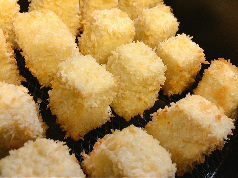 酥炸雞蛋豆腐(飛利浦氣炸鍋)