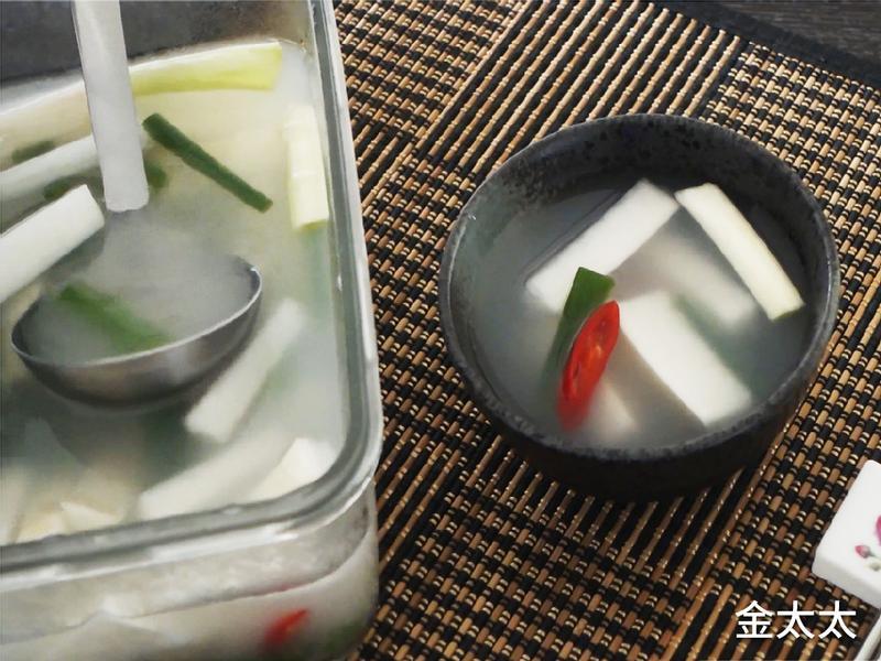 春夏季節的完美泡菜, 蘿蔔水泡菜 동치미