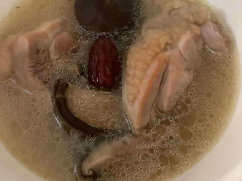 不加一滴油的香菇雞湯