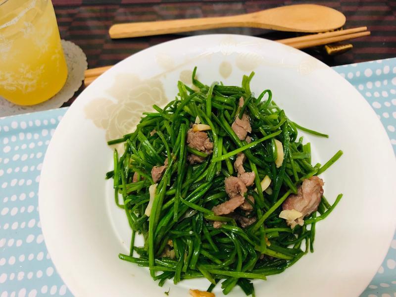 水蓮炒肉絲(家常菜)