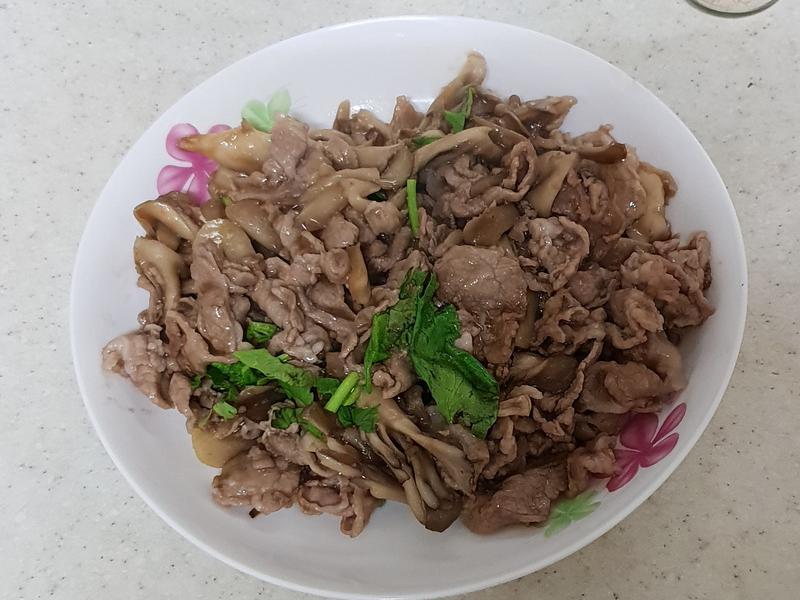 好菇道營養料理~~醬燒梅花豬舞菇