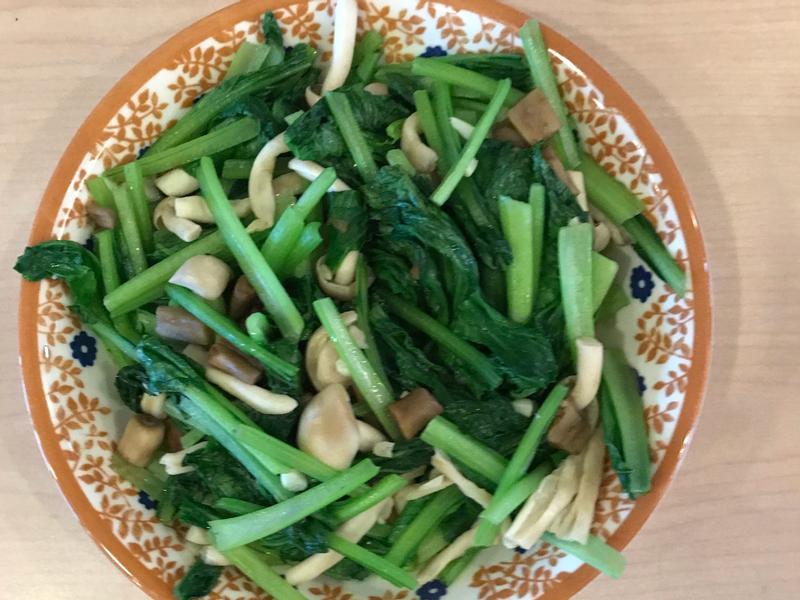 白精靈炒油菜