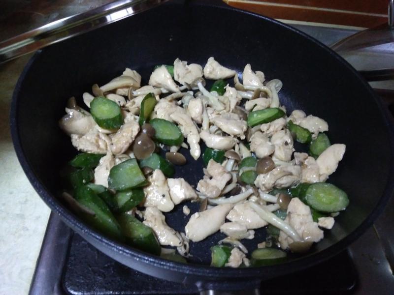 鴻喜菇炒雞丁【好菇道營養料理】