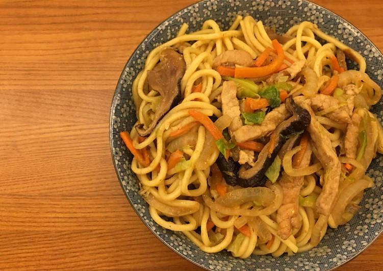 台式肉燥炒麵