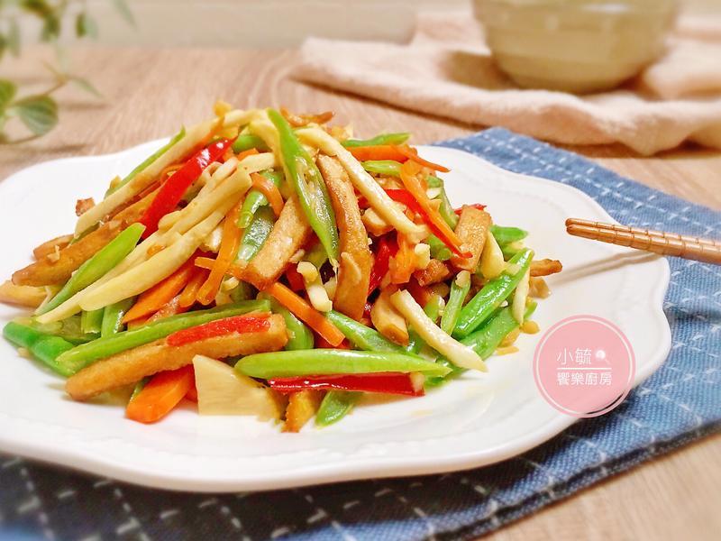 蒜香炒五絲。中秋食材再利用