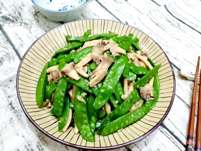 秀珍菇炒荷蘭豆
