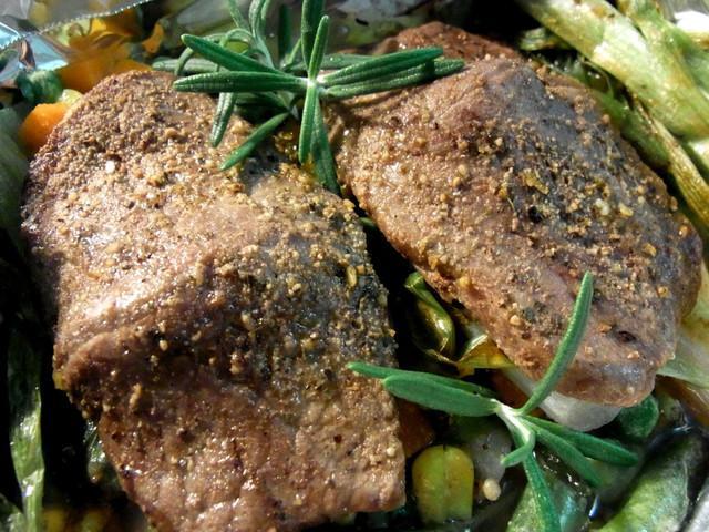 地中海香草蔬菜烤牛肉