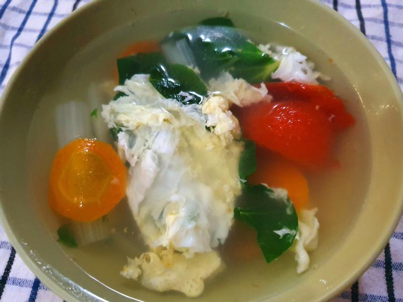 蕃茄青菜蛋花湯