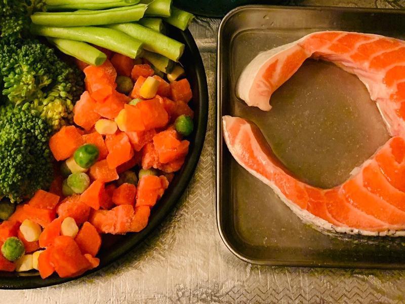 【氣炸鍋】菜菜鮭魚原始人套餐