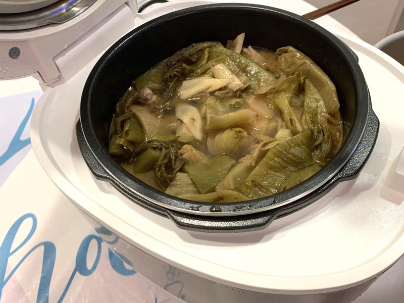 麻油酸菜鴨肉湯【飛利浦萬用鍋】