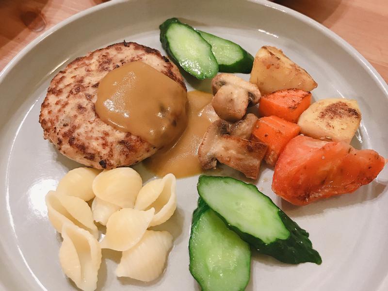 豆腐肉排佐咖哩醬