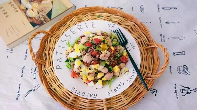 藜麦水果沙拉