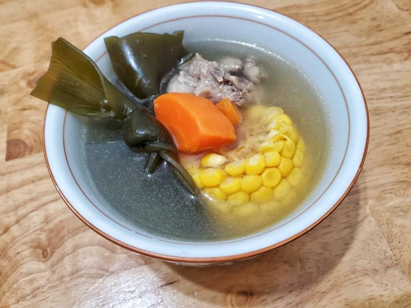 海帶玉米排骨湯