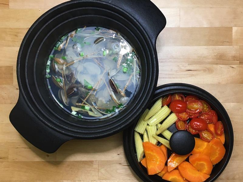 薑絲鮮蛤蜊湯+蒸野菜