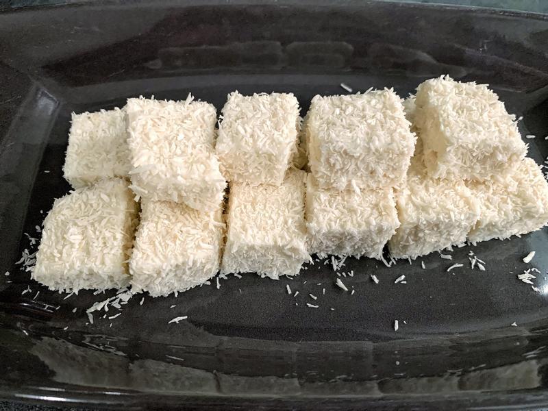 椰香牛奶雪花糕