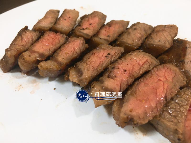 【家常菜】嫩煎牛小排(10分鐘上菜)