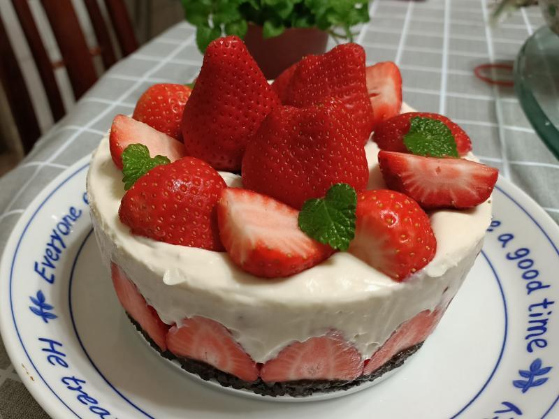 Oreo草莓生乳酪蛋糕(免烤)