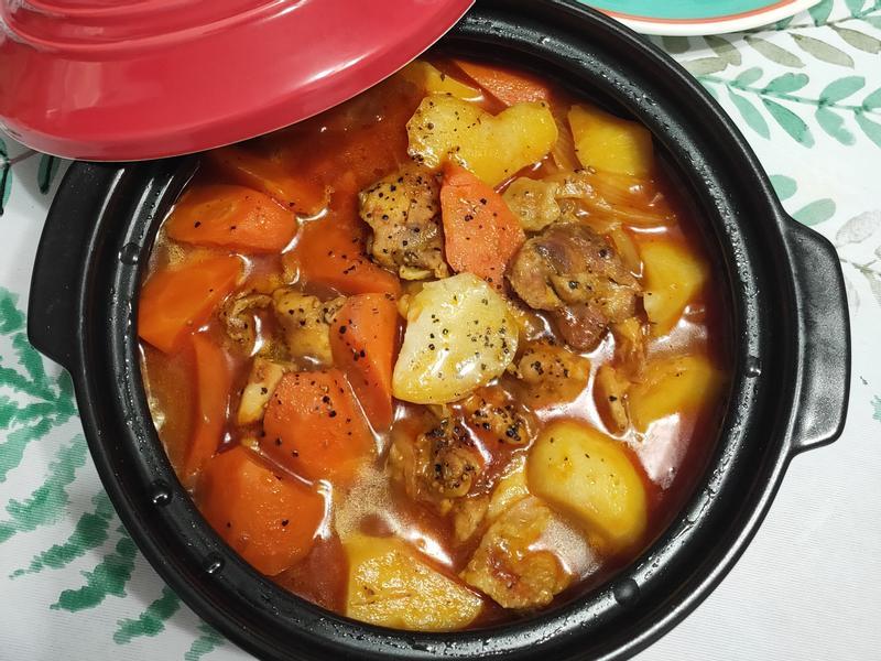 lanni 塔吉茄汁雞肉鍋
