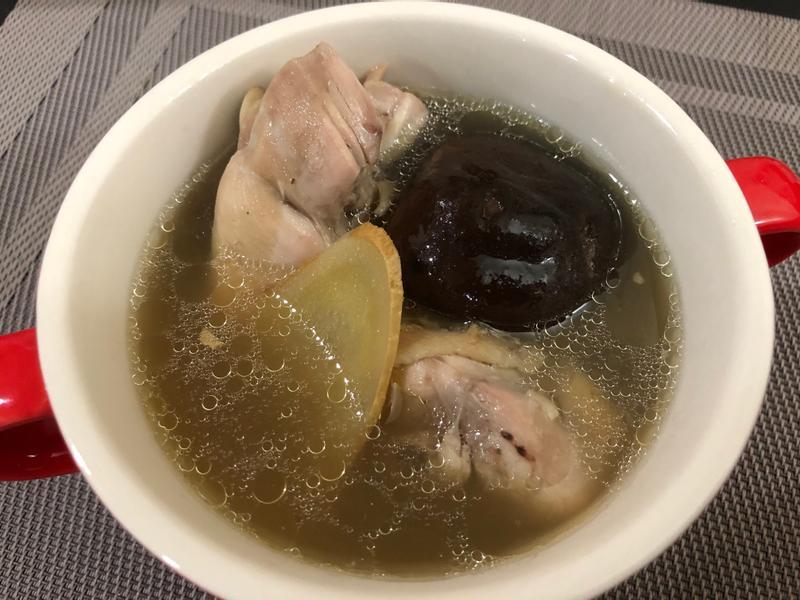 飛利浦萬用鍋-香菇雞湯