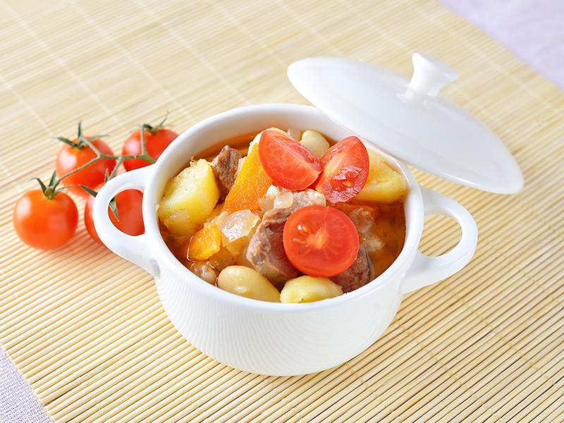 銀耳白木耳番茄牛肉湯