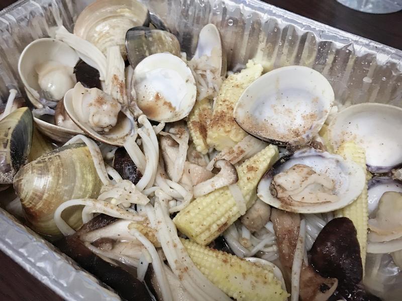 無油煙~《金針菇蛤蜊時蔬》