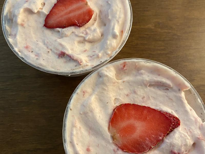 簡易草莓冰淇淋(柔酸版)