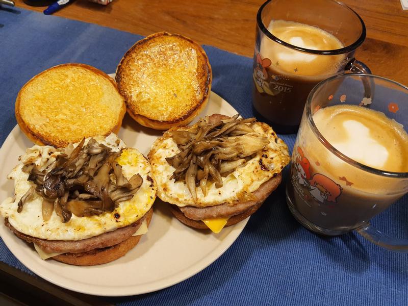 【營養早餐】和牛菌菇起司堡