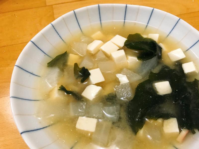 蘿蔔嫩豆腐味噌湯