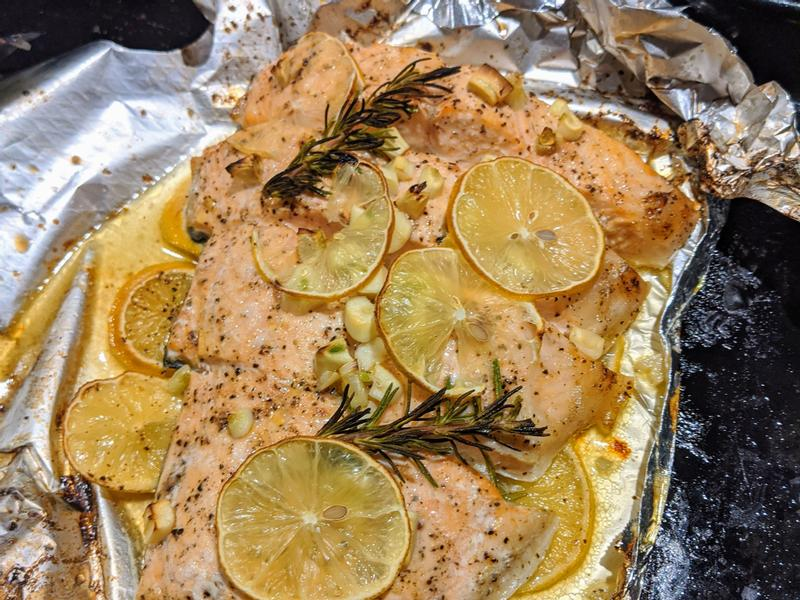 錫紙檸檬烤鮭魚